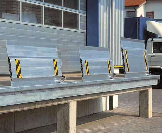 Перегрузочный мост – оборудование, использующееся в качестве перекрытия между складской площадкой и платформой грузового автомобиля