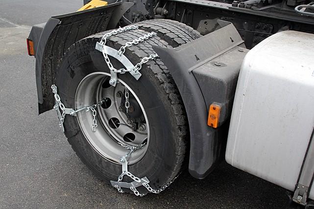 Цепи противоскольжения на грузовик. Цепи на колеса грузовика по асфальту, льду и сугробам
