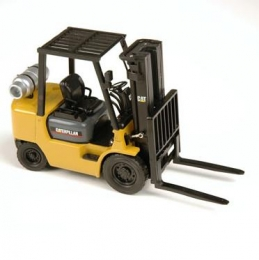 107TA7083 погрузчик Caterpillar (GC25K - модель) Модель погрузчика Caterpillar (GC25K - модель) Масштаб 1/25